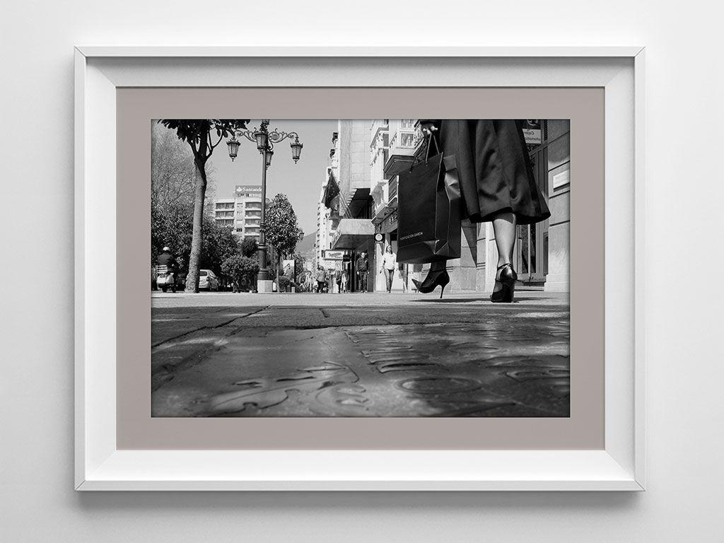 Calle Uría - Libro Al Dios del Lugar, de Xuan Bello